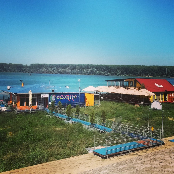 The floating bars in Belgrade
