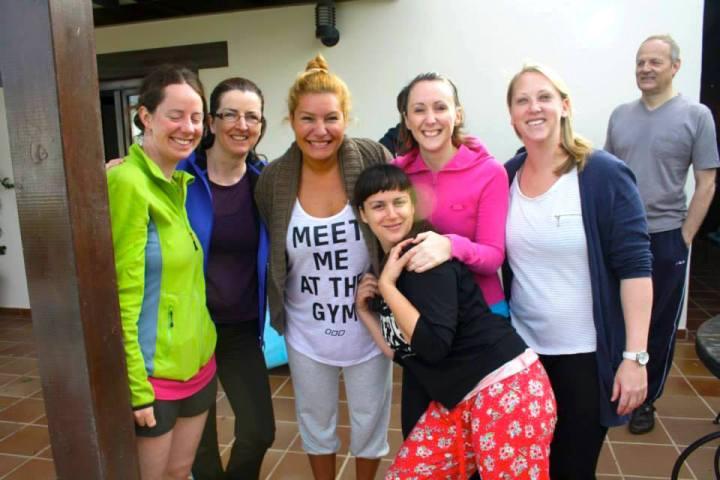 fuerteventura-yoga-retreat-azulfit-friends-after-class