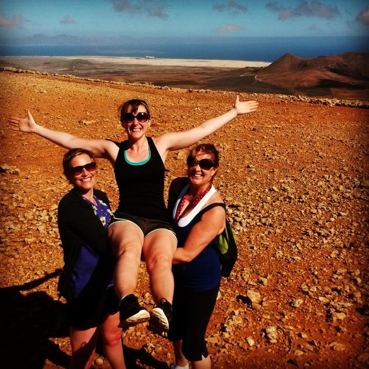 fuerteventura-yoga-retreat-azulfit-volcano-hike