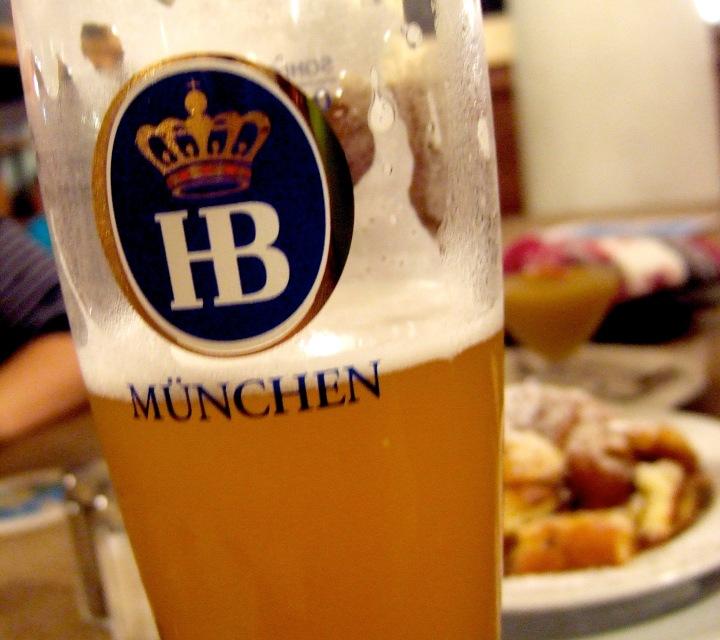 munich-drink-hofbraeuhaus