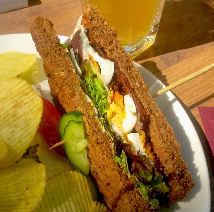 netherlands-quic-guide-cafe-belvedere-club-sandwich
