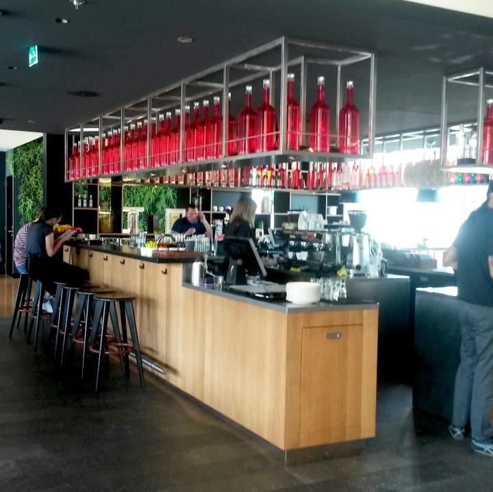 CanteenM bar