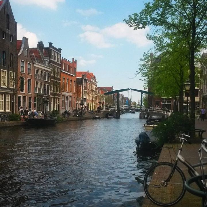 top-10-reasons-to-visit-the-netherlands-canals