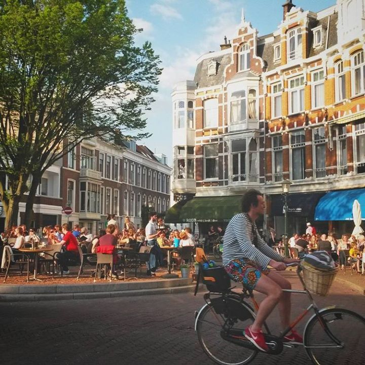 top-10-reasons-to-visit-the-netherlands-friendly-dutch-people