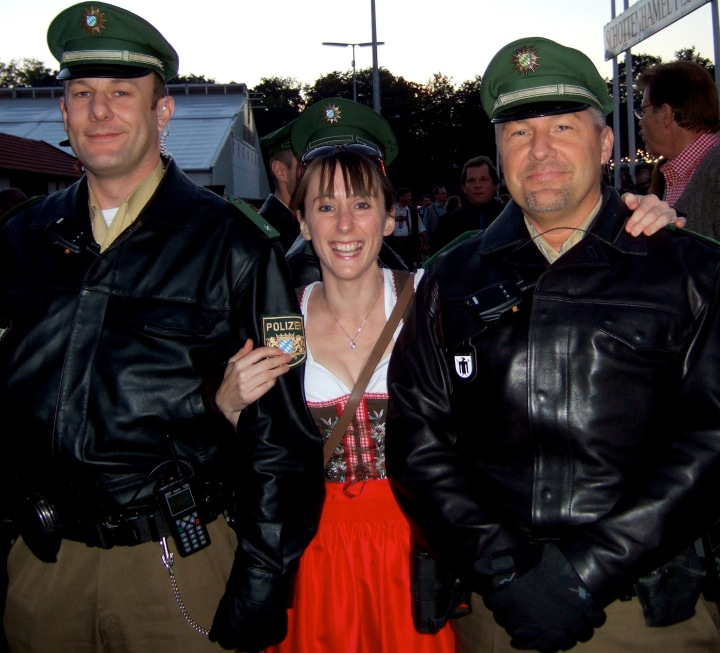 Friendly policemen at Oktoberfest