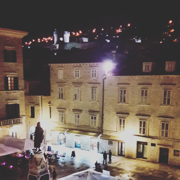 Fresh Sheets Kathedral Dubrovnik night view