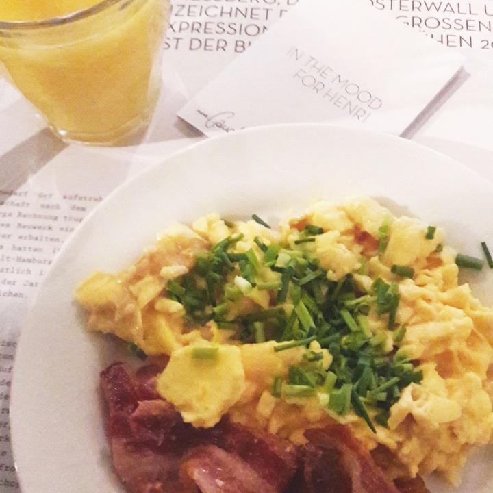 Breakfast at Henri Hotel